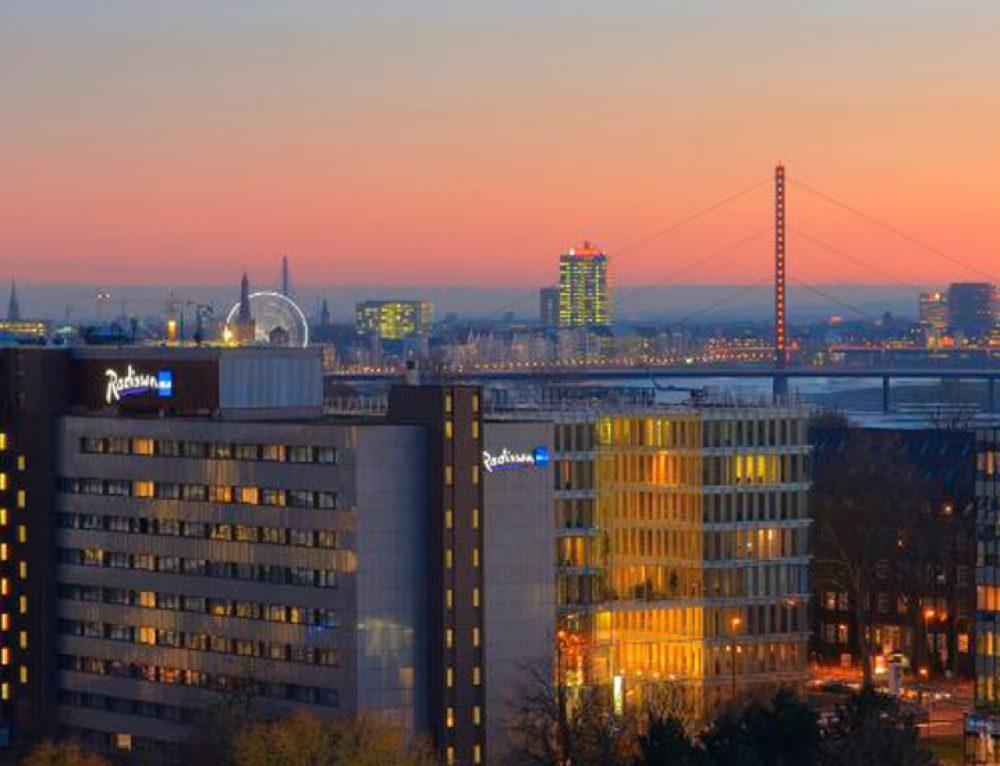 Wenn es Nacht wird in Düsseldorf … KRIMI total DINNER im Radisson Blu Scandinavia Hotel