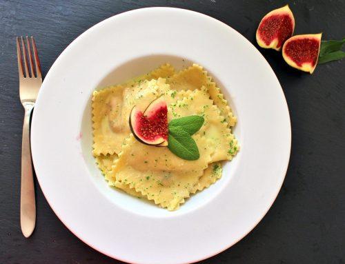 Pasta mit Feigen in Salbeibutter