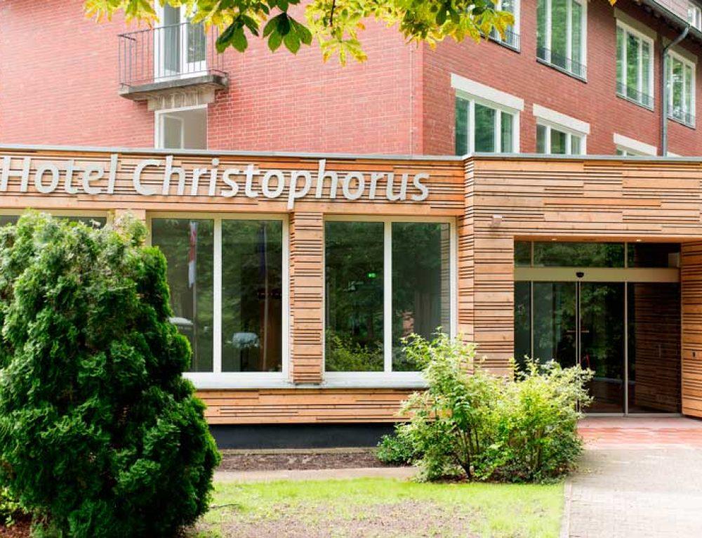 Die Ruhe im Spandauer Forst ist vorbei – KRIMI total DINNER ab 2018 im Hotel Christophorus
