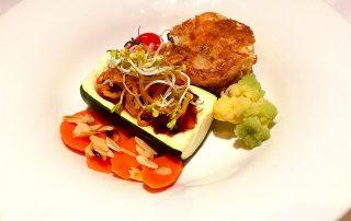 Vegetarischer Hauptgang KRIMI total DINNER: Gefüllte Zucchinischiffchen